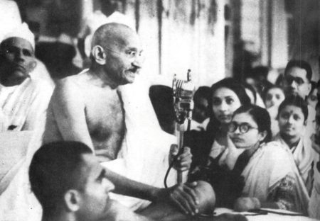 MS_Subbulakshmi_with Gandhi